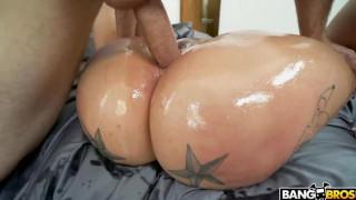 Ashley Barbie - Porno HD