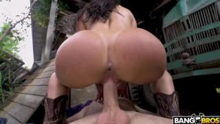 Sexo na roça com gostosa